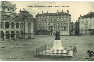 La place de la Grenette et la statue en bronze de David d'Angers représentant Xavier Bichat (installée en 1843).
