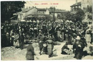 Le marché sur la place Carriat