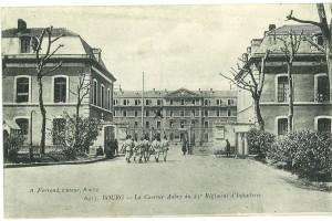 La caserne Aubry et ses pavillons d'entrée bâtis sur les anciens fossés de la Citadelle en 1869