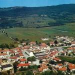 Certains auteurs ont fait de la plaine d'Izernore le théâtre de la bataille d'Alésia en 52 avant J.-C.
