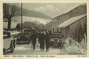 Des amateurs de sports de glisse à Giron dans les années 1940