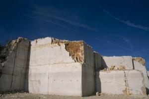 La pierre d'Hauteville s'est taillée une réputation mondiale pour sa résistance et son esthétique