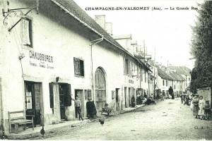 La rue centrale de Champagne-en-Valromey