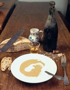 La traditionnelle soupe de gaudes était, selon les goûts, agrémentée de caillé froid, de bas-beurre, de lait sucré ou salé