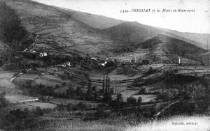 Vue générale de Pressiat au pied du Mont-Châtel